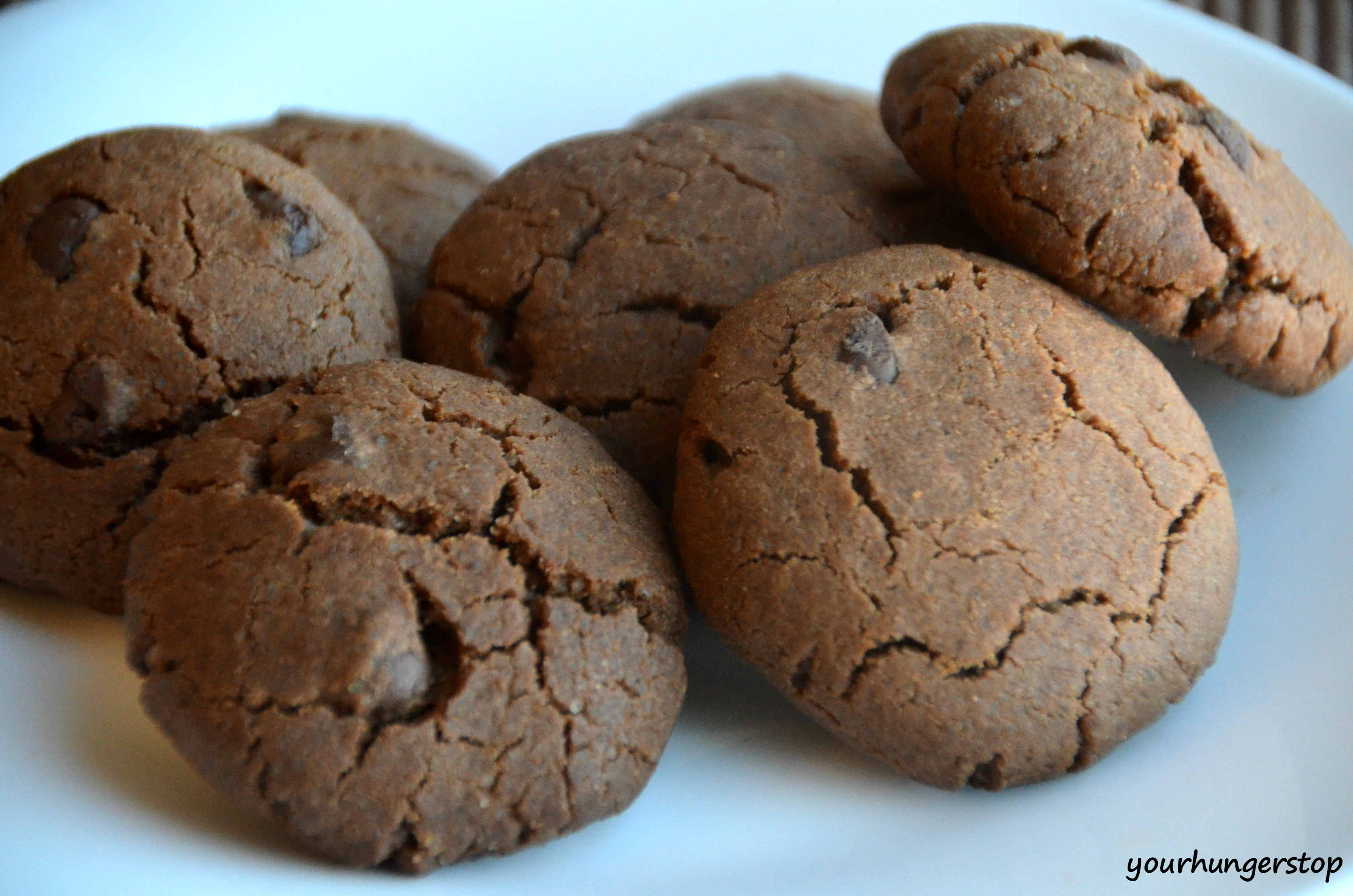 Nothing is more delicious and tempting than warm chocolate cookies ...